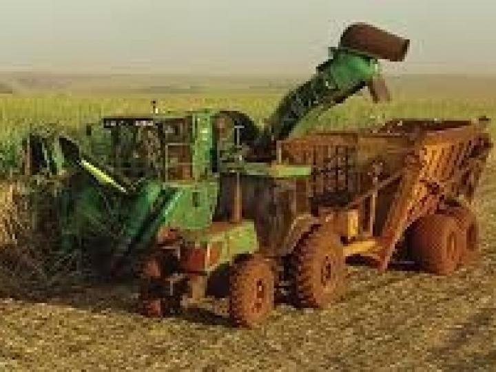 ATVOS alcança alta performance na colheita mecanizada sem causar arranquio das soqueiras ou compactação do solo