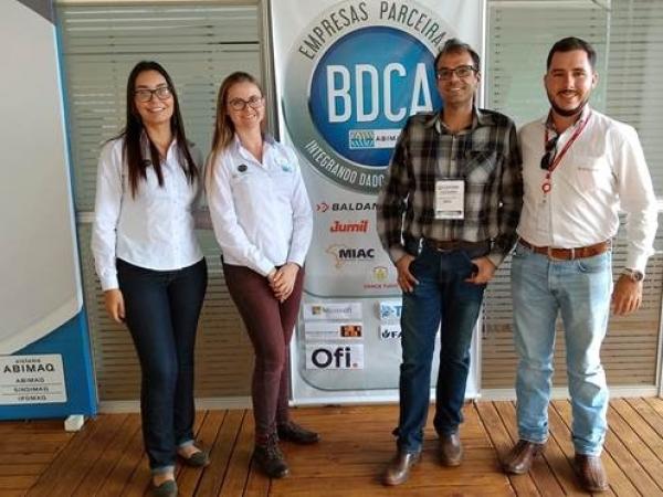 Turma de estudantes da Fatec de Pompeia é responsável pelos testes de validação da plataforma de dados do agronegócio. Foto: Divulgação