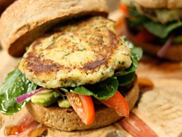 Procura por 'hambúrguer vegano' cresce 78% no Brasil