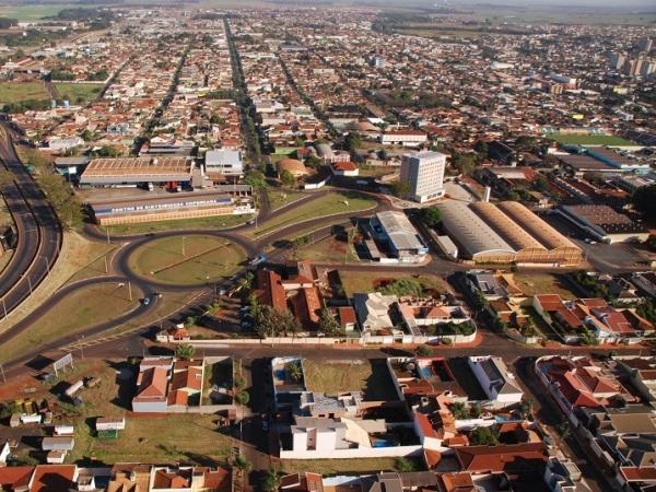 Entre 20 e 23 de agosto, Sertãozinho ganha destaque com a realização da FENASUCRO & AGROCANA, que injeta cerca de R$ 58,5 milhões na economia de Ribeirão e região. (Crédito: Arquivo Prefeitura Municipal)