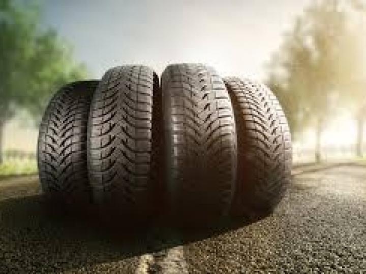 Vendas de pneus recuam 4,9% em agosto