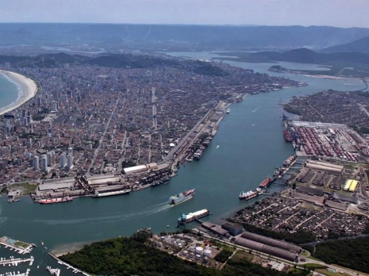 Validade de arrendamento de áreas do Porto de Santos
