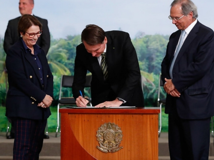 Governo assina MP com medidas econômicas para ajudar produtores rurais