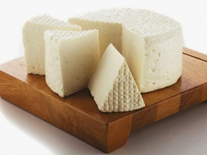 Mapa publica norma para a produção de queijo minas meia cura