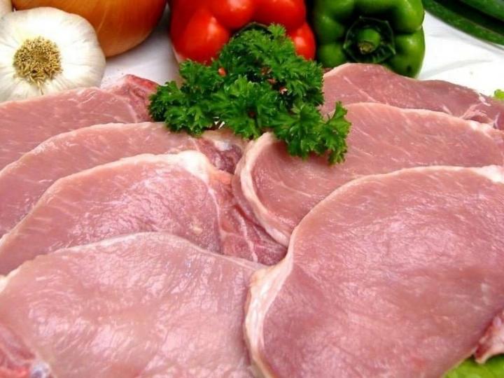 Carne suína ganha espaço no mercado, custando 1/3 da carne bovina