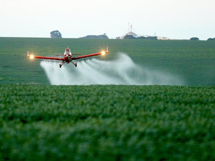 Setor aeroagrícola quer ser incluído em medida que poderá permitir compra de etanol nas usinas