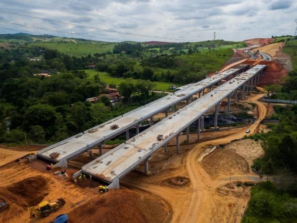 Projetos em rodovias de SP com estruturas pré-fabricadas de concreto obtiveram redução de até 30% nos prazos contratuais.  Foto: Divulgação Abcic