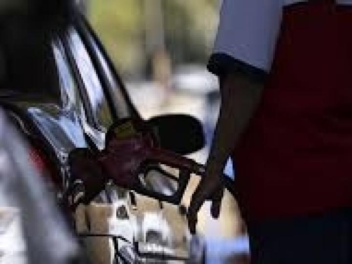 Às vésperas de corte de 12% pela Petrobrás, gasolina cai 0,64% na 1ª quinzena de março
