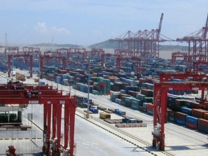 Exportações da China se recuperam; cenário obscuro