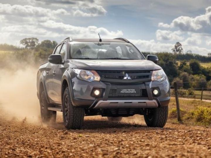 Mitsubishi L200 Triton ganha série especial Motorsports