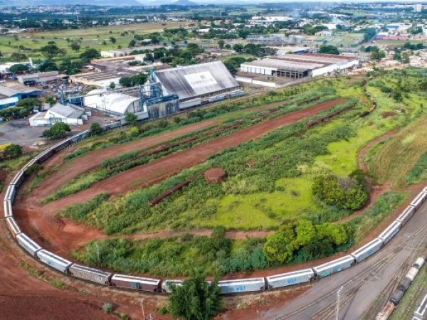 Terminal da Copersucar em Ribeirão Preto tem pera ferroviária com capacidade para 89 vagões.  Foto: Na Lata