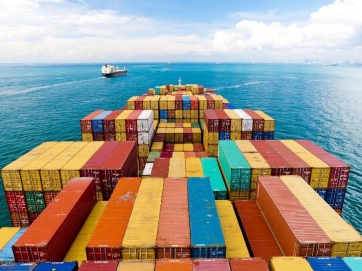 Alta nas exportações de açúcar e frutas e auxílio emergencial para agricultores familiares