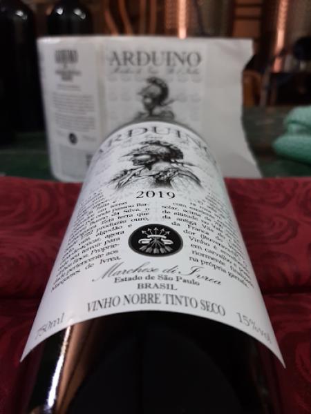 Vinho Nobre Tinto Seco Arduíno tem teor alcoólico de 15⁰ Divulgação