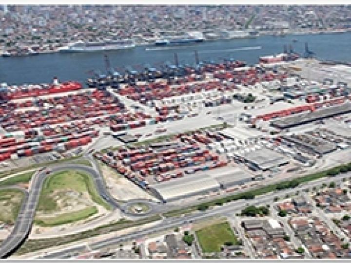 Santos Brasil cria corredor logístico para produtor de fertilizantes
