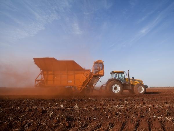 A Plantadora Automatizada de Cana Picada PCP 6000 é multifuncional, reduzindo o custo do plantio. Foto: Divulgação