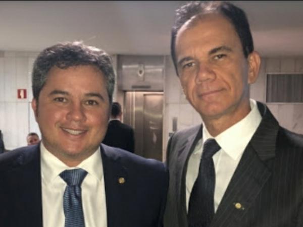 Deputado federal Efraim Filho (DEM/PB) e o presidente da Feplana, Alexandre Andrade Lima.  Foto: Divulgação