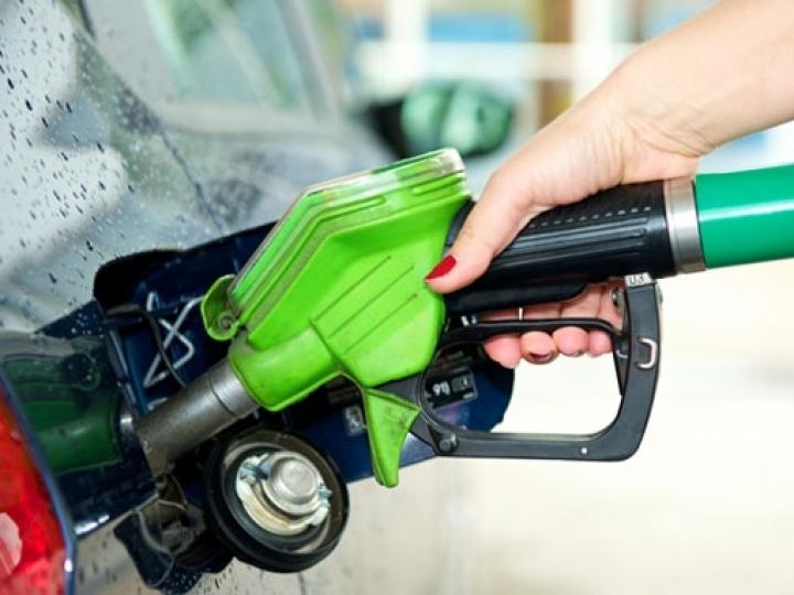 Etanol esvazia competitividade, perde preço, enquanto Petrobras protela reajuste na gasolina