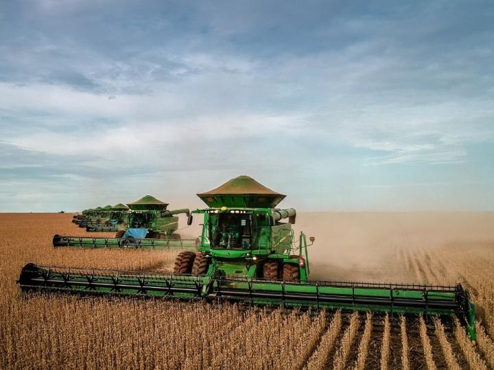 Aegro lança curso rápido e gratuito de gestão de máquinas agrícolas