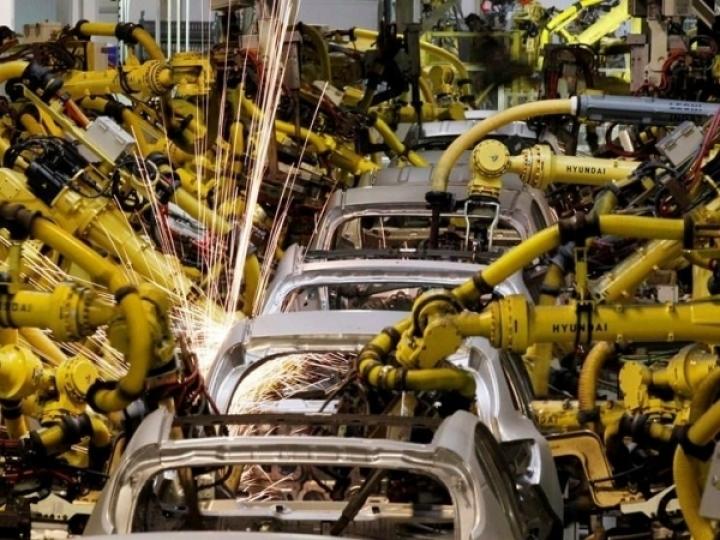 Produção de 164 mil unidades em agosto foi 0,3% maior que em julho, mesmo com paralisações de fábricas