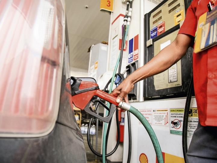 Com sexta alta consecutiva, preço da gasolina já está 12% mais caro nas primeiras semanas de outubro