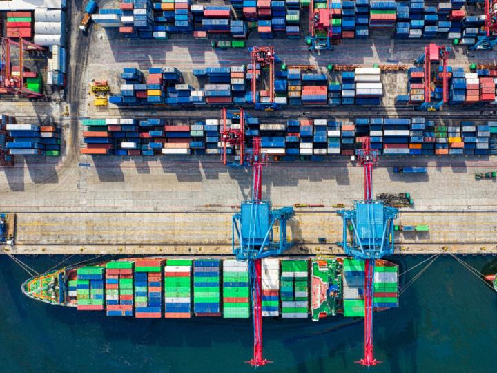 O aumento do frete marítimo e a penalização no comércio internacional